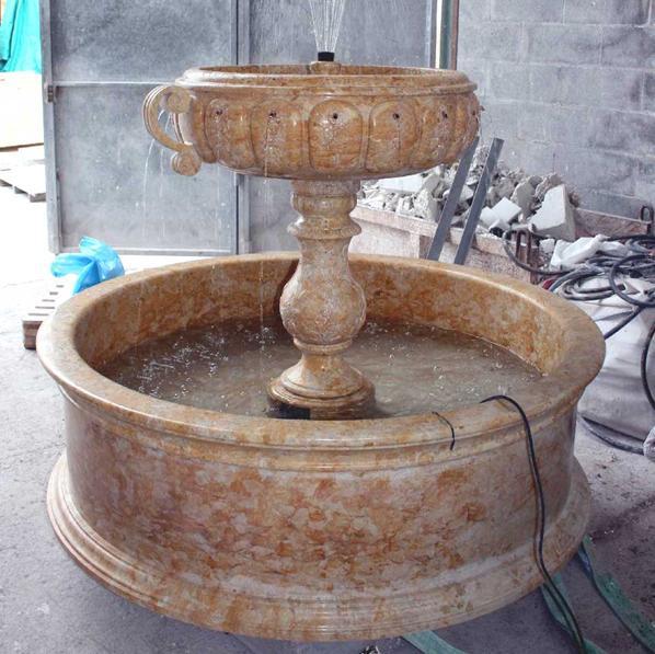springbrunnen und wandbrunnen aus marmor sandstein oder. Black Bedroom Furniture Sets. Home Design Ideas